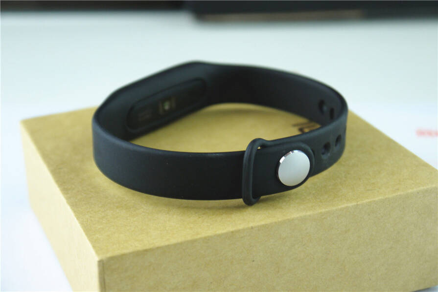 小米手环光感版开箱:99元支持心率检测的照片 - 12