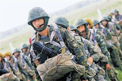 """由""""红海行动""""想到俄罗斯空降兵:不愧战斗民族"""