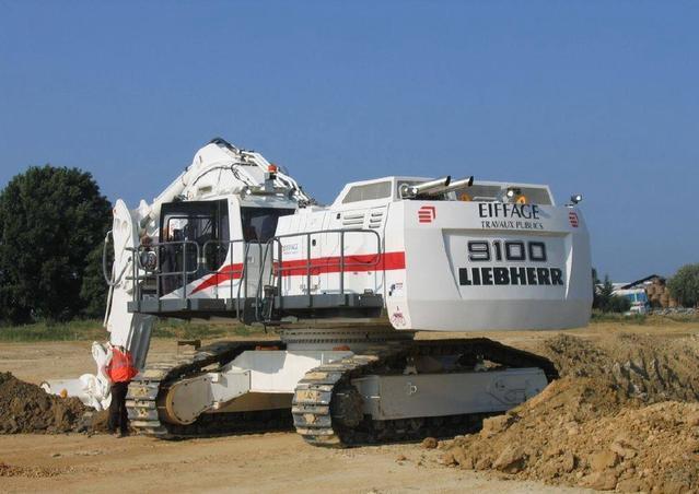 利勃海尔t282b_世界上最大的车利勃海尔t282b重量达到10.5吨