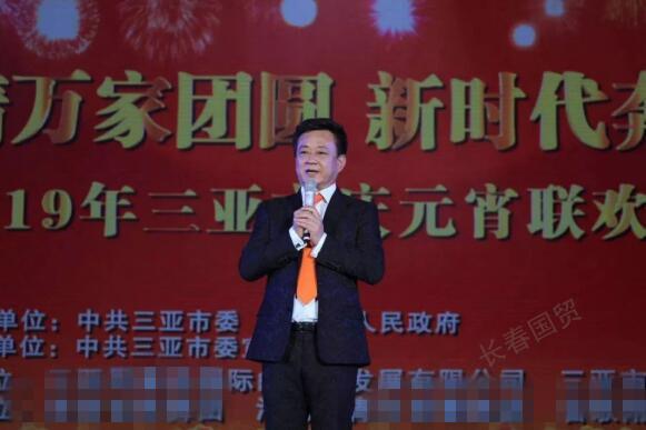 55岁央视主持人朱军近照曝光,复出参加晚会不当主持改唱歌!