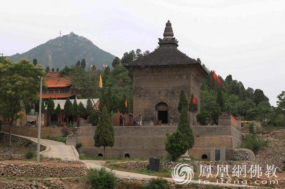 中国唯一的千年琉璃砖花塔 藏在河南一个小镇上