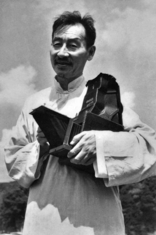 他是中国第一位世界级摄影大师,用相机描画水墨中国