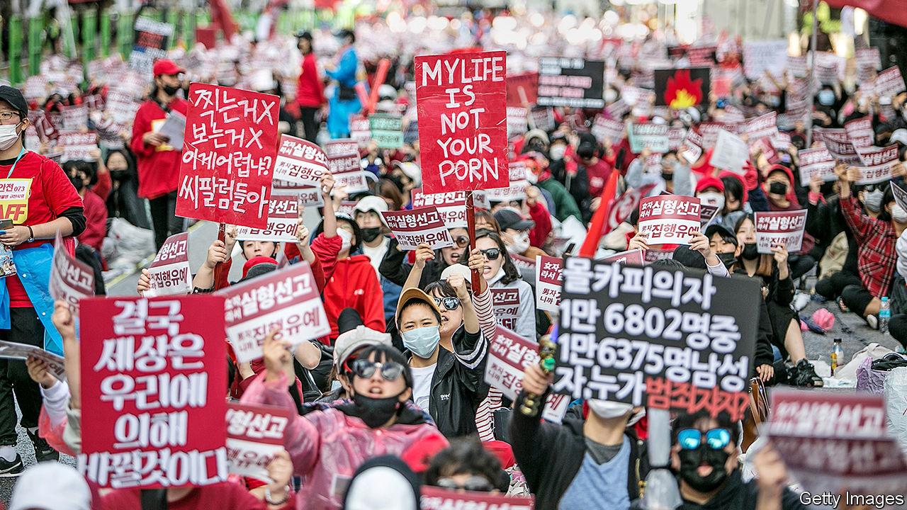 这位准妈妈,掀翻整个韩国娱乐圈,揭穿李胜利性交易黑幕