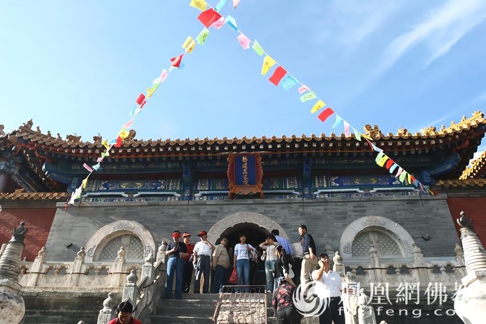 五台山有8座藏传黄庙 它是喇嘛庙之首