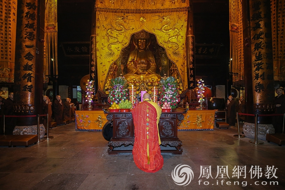 直击:普陀山全山寺院为庆祝新中国成立70周年祈福