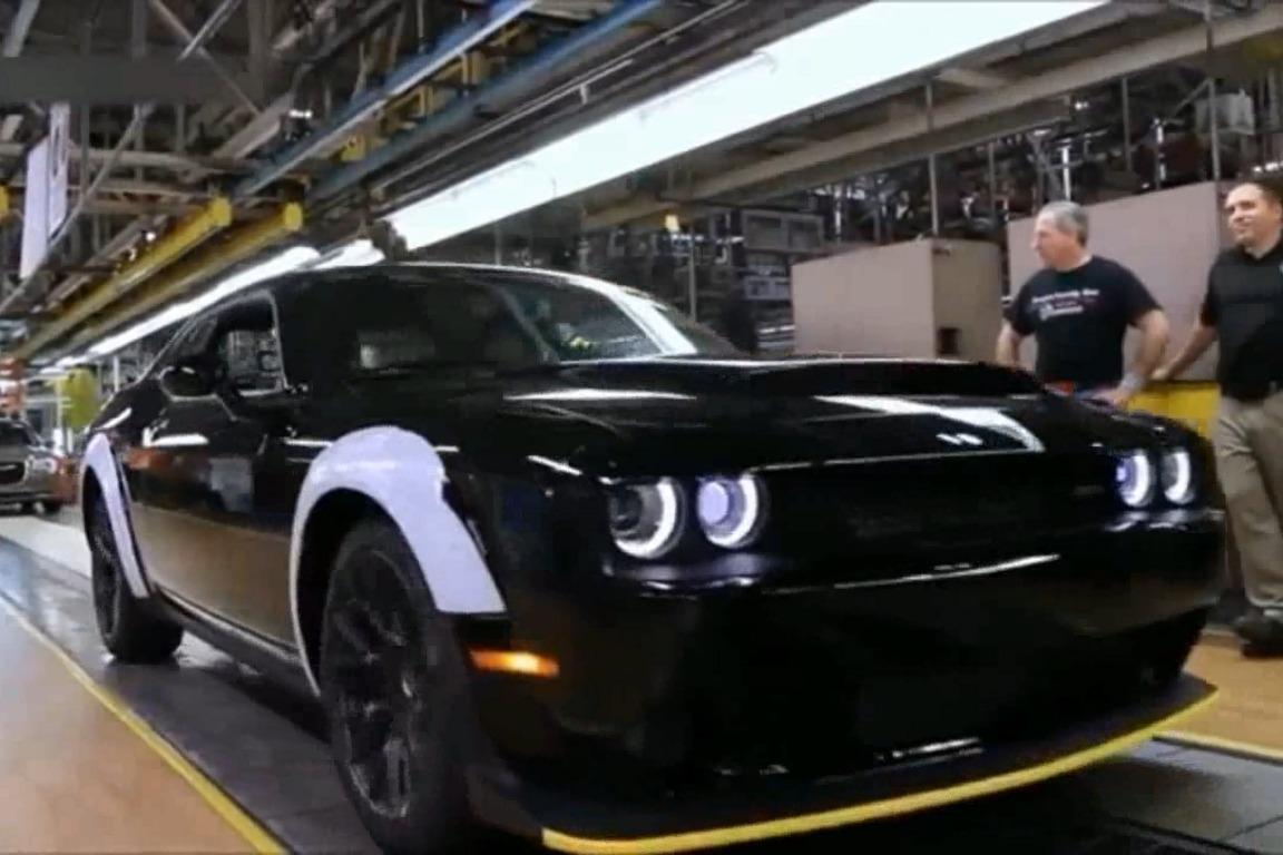 国外工厂生产最新款道奇SRT汽车,看着真精彩!