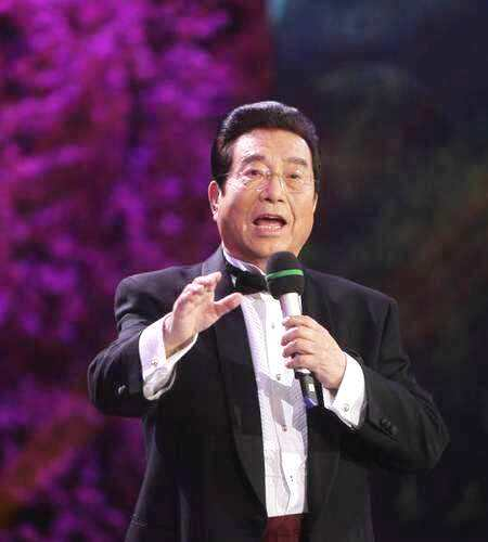 80歲李雙江近照曝光,精神矍鑠老當益壯,壓軸登臺唱嗨全場
