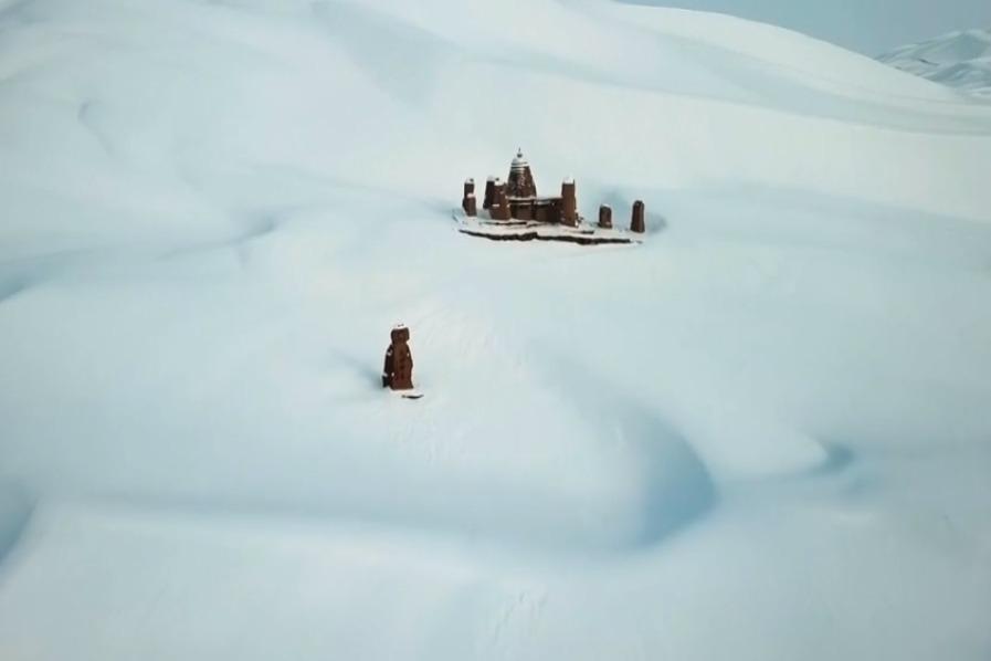 美哭!新疆鄯善县降40年不遇大雪,雪覆盖在沙浪上,犹如一片雪海