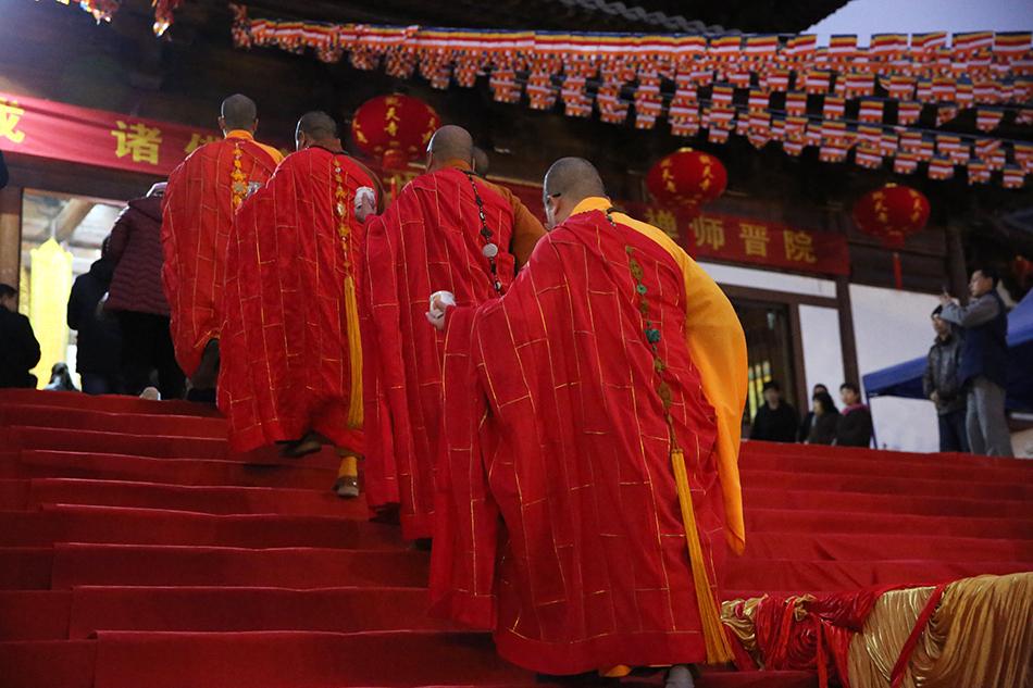 2020开年遍洒:直击广东陆河观天寺落成洒净