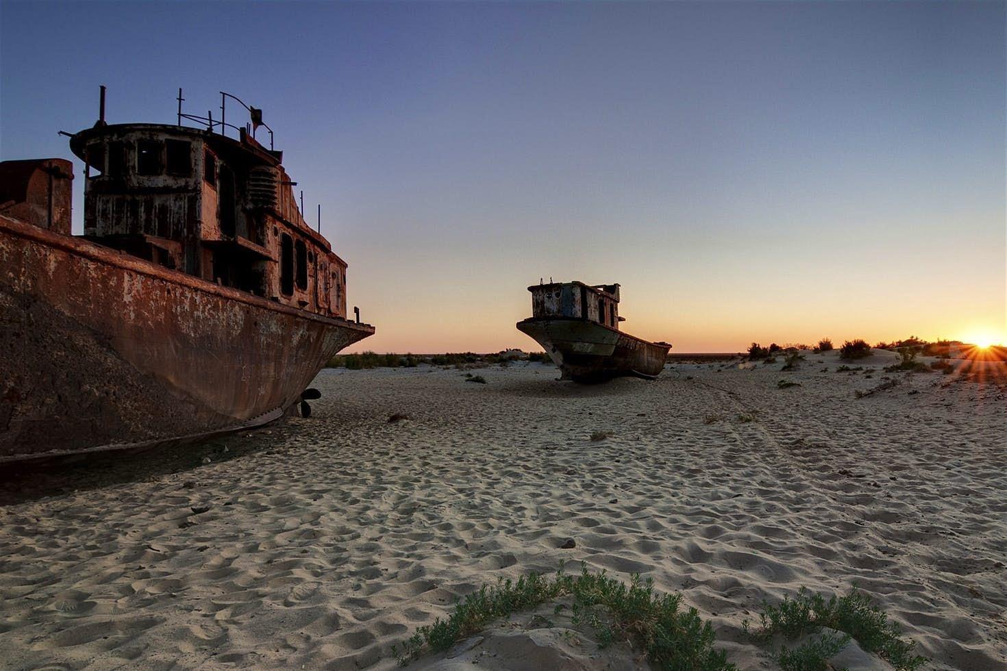 """斥巨资买40艘军舰准备建海军,转头发现""""海""""没了!不是蒙古"""