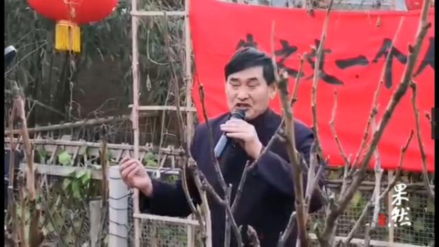 朱之文演唱《女儿情》,一个人演唱会致敬抗疫英雄