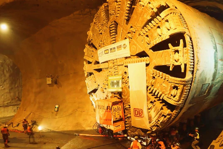 隧道开挖完成后,盾构机是如何原路返回的?感觉比前进还要麻烦