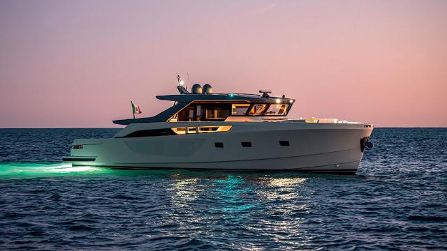游艇界的SUV:超豪华BGX70开放式游艇,美到令人窒息!