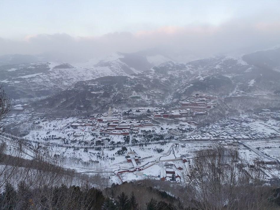 刚刚,五台山又下雪了