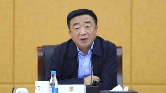 """哈尔滨市政协原主席姜国文被""""双开"""":做两面人 搞权色交易"""