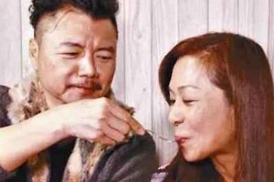 TVB金牌绿叶,为妻治病花光百万积蓄,卖楼五百多万资助28个儿童