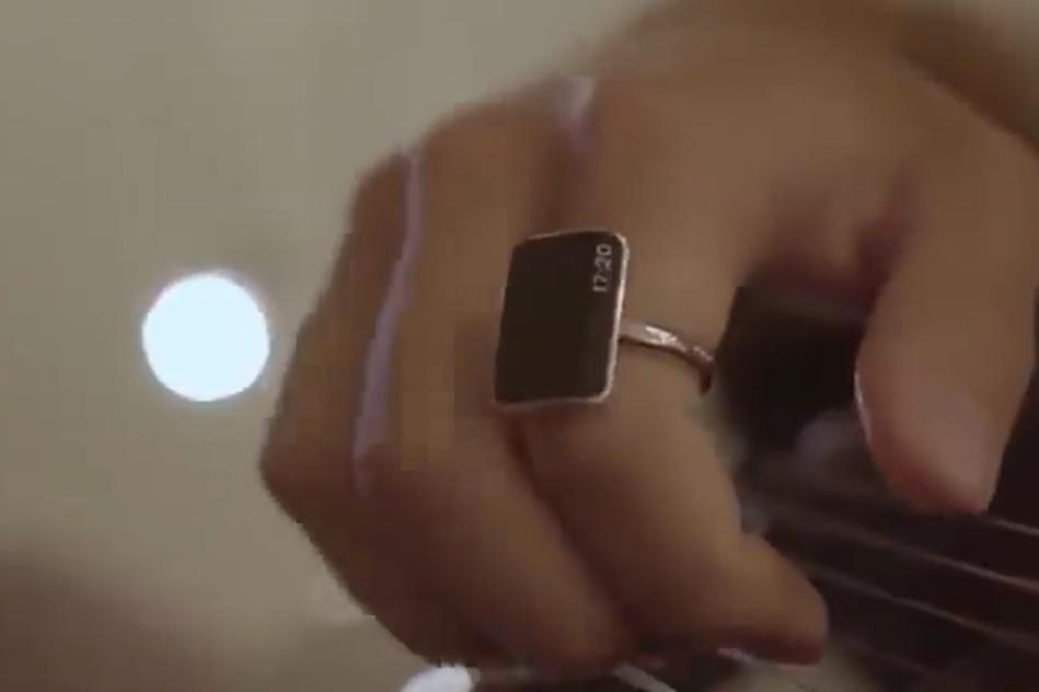 能让智能手表都逊色的科技,一个戒指就能操控,摸下就能打车