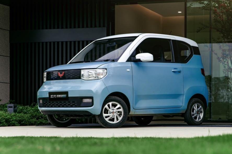 199元下订五菱宏光MINI电动车还买啥小牛?
