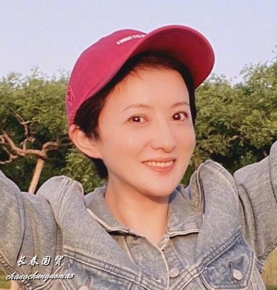 """40岁金铭近照曝光,久未露面瘦成网红脸,""""小婉君""""变成这样了"""