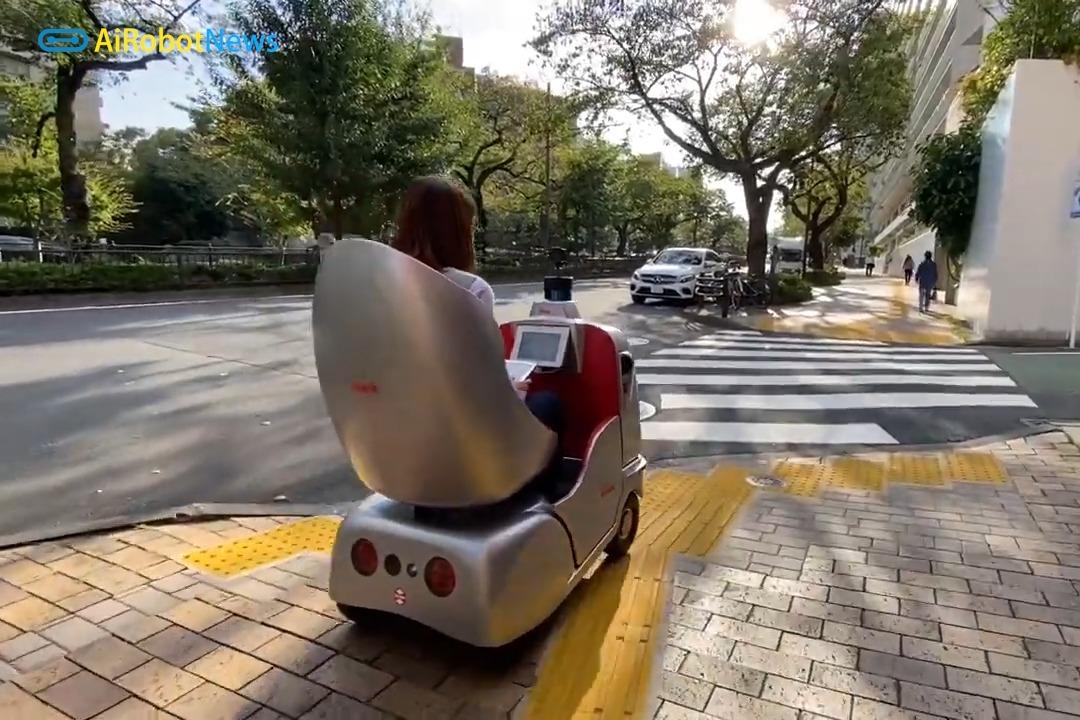 懒的不想动的-自动驾驶电动椅子RakuRo