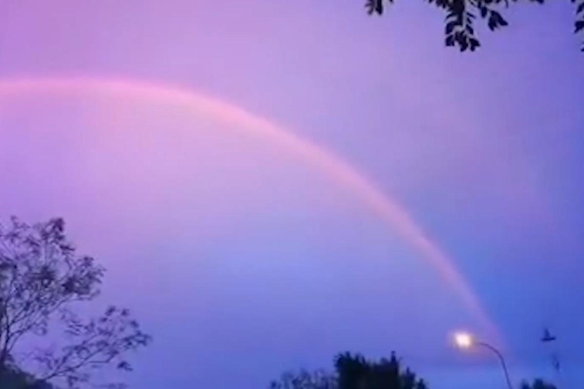 朝霞与双彩虹同时现身,这里美成仙境!你许愿了吗?