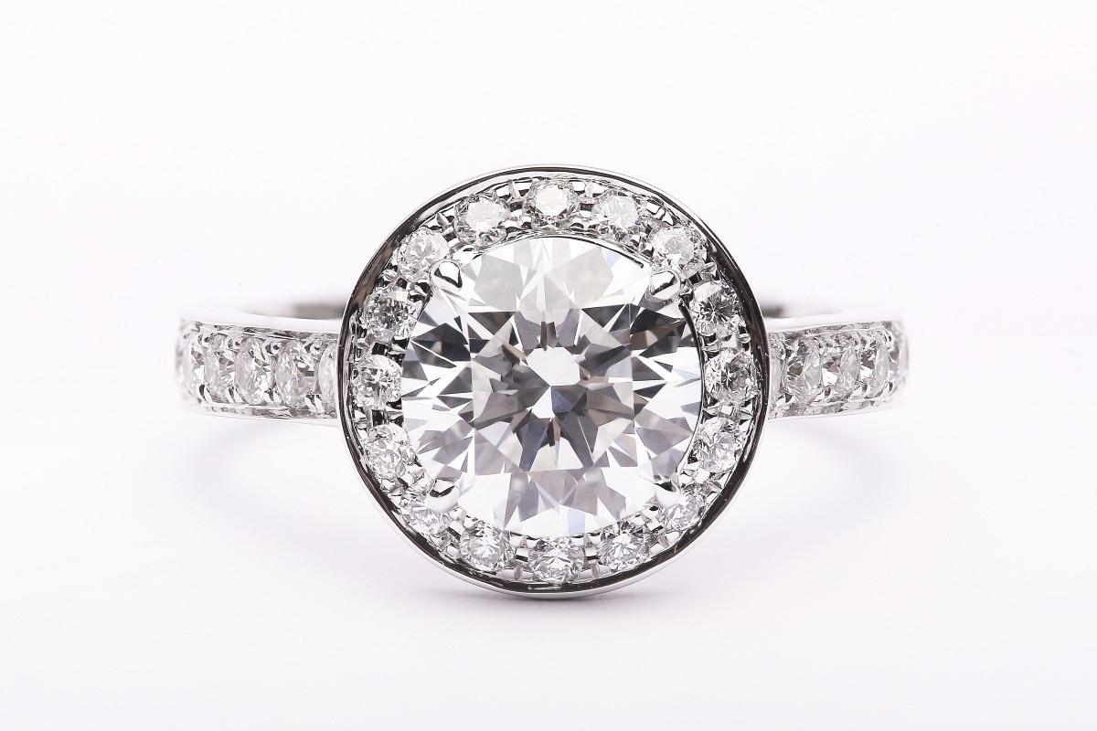 为你定制一枚1.5克拉的比利时魔星莫桑钻戒指