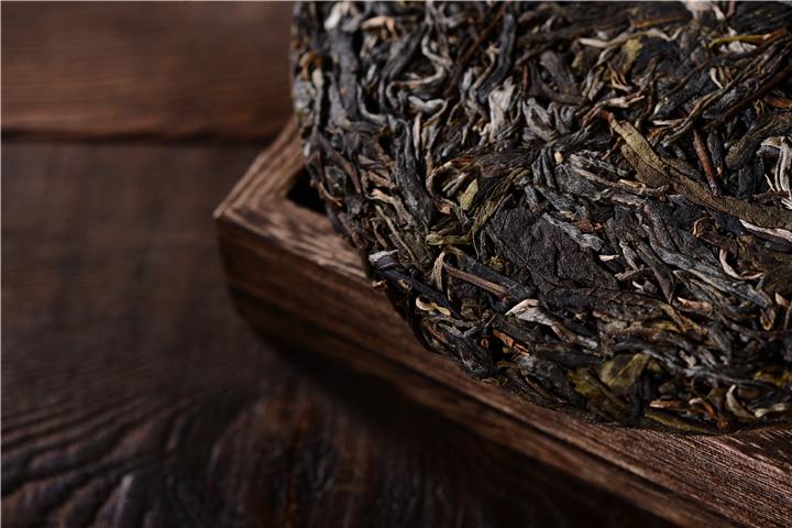 实际上通过拉丝去判断古树茶相当不科学 普洱煮茶叶蛋