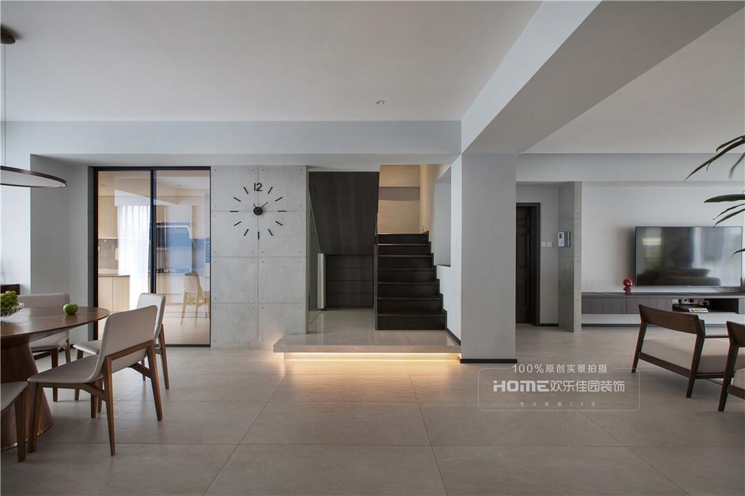 云南金江小区现代简约风 240平米跃层豪宅设计装修实景