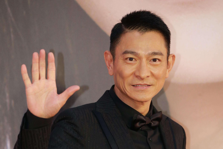 """59岁刘德华会怕老?他当年才是最帅的""""顶流鲜肉""""啊"""