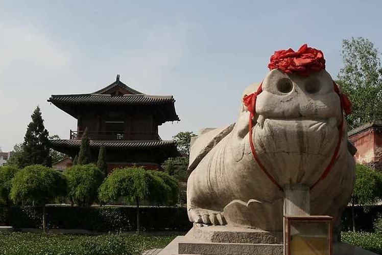 正定开元寺:存有1200年赑屃重达107吨 据说是中国最大的