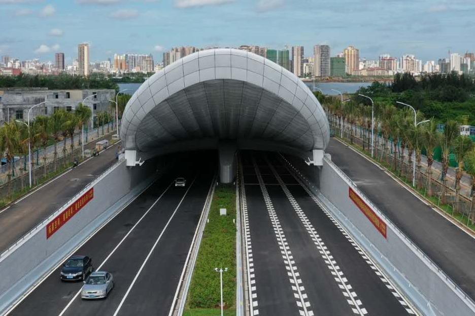 凤凰视频 | 震撼!凤凰网海南直击今日通车的海口文明东隧道