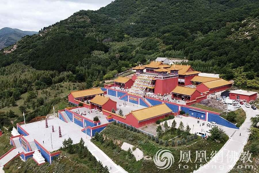 航拍下的赤峰康宁寺