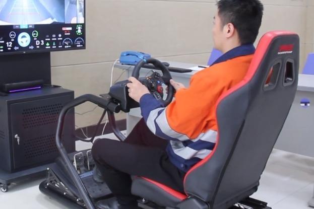 """千米矿井下5G矿车的""""黑科技"""":上班""""打游戏""""变现实"""
