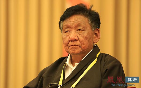中国佛教协会副会长策墨林·单增赤列(图片来源:凤凰网佛教)