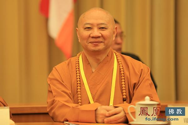 中国佛教协会副会长明生法师(图片来源:凤凰网佛教)
