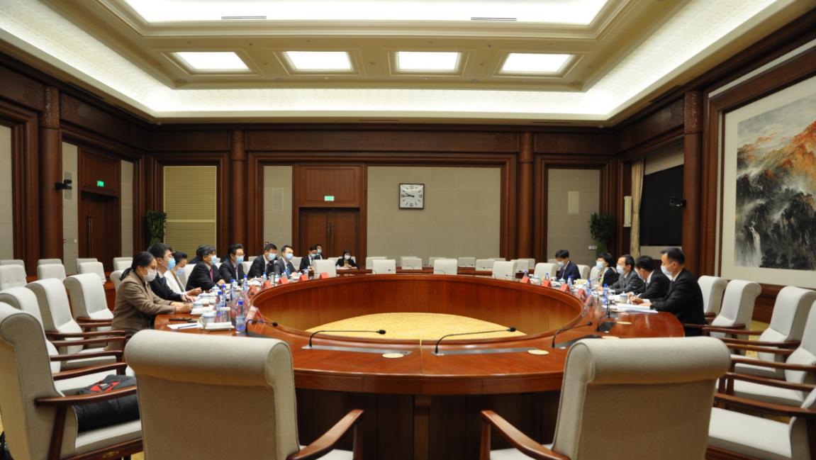 凤凰新闻:北京市委常委、副市长殷勇会见 跨国会及世界500强SAP公司领导