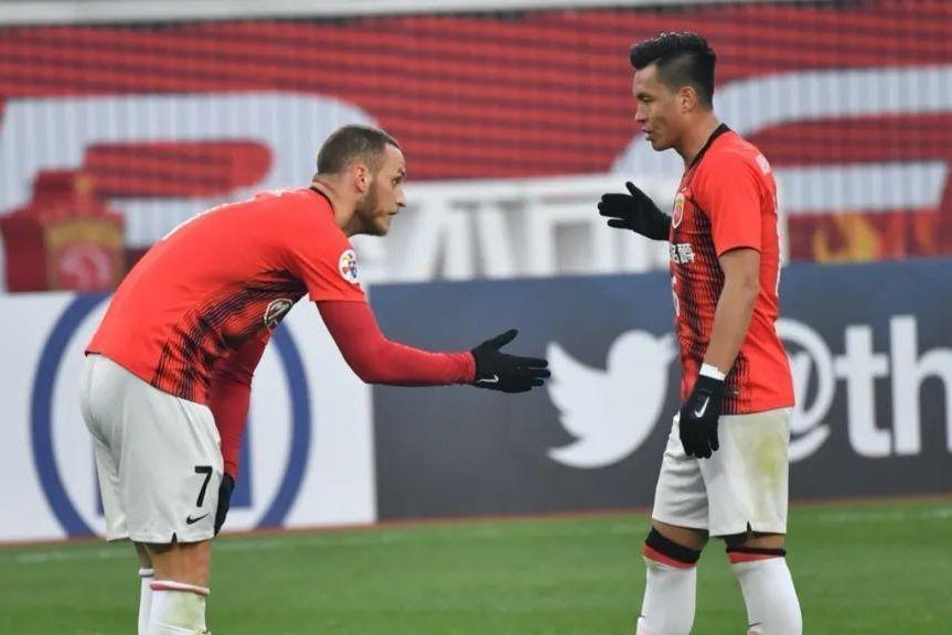 中国足球又出励志哥!15岁被足校劝退,凌晨5点加练3年后成国脚!