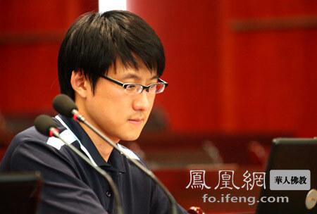 中国社会科学院硕士毕业生钟泉潇(图片来源:凤凰网佛教 摄影:丹珍旺姆)