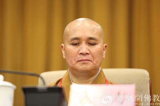 中国佛教协会副会长永寿法师出席会议(图片来源:凤凰网佛教 摄影:李保华)