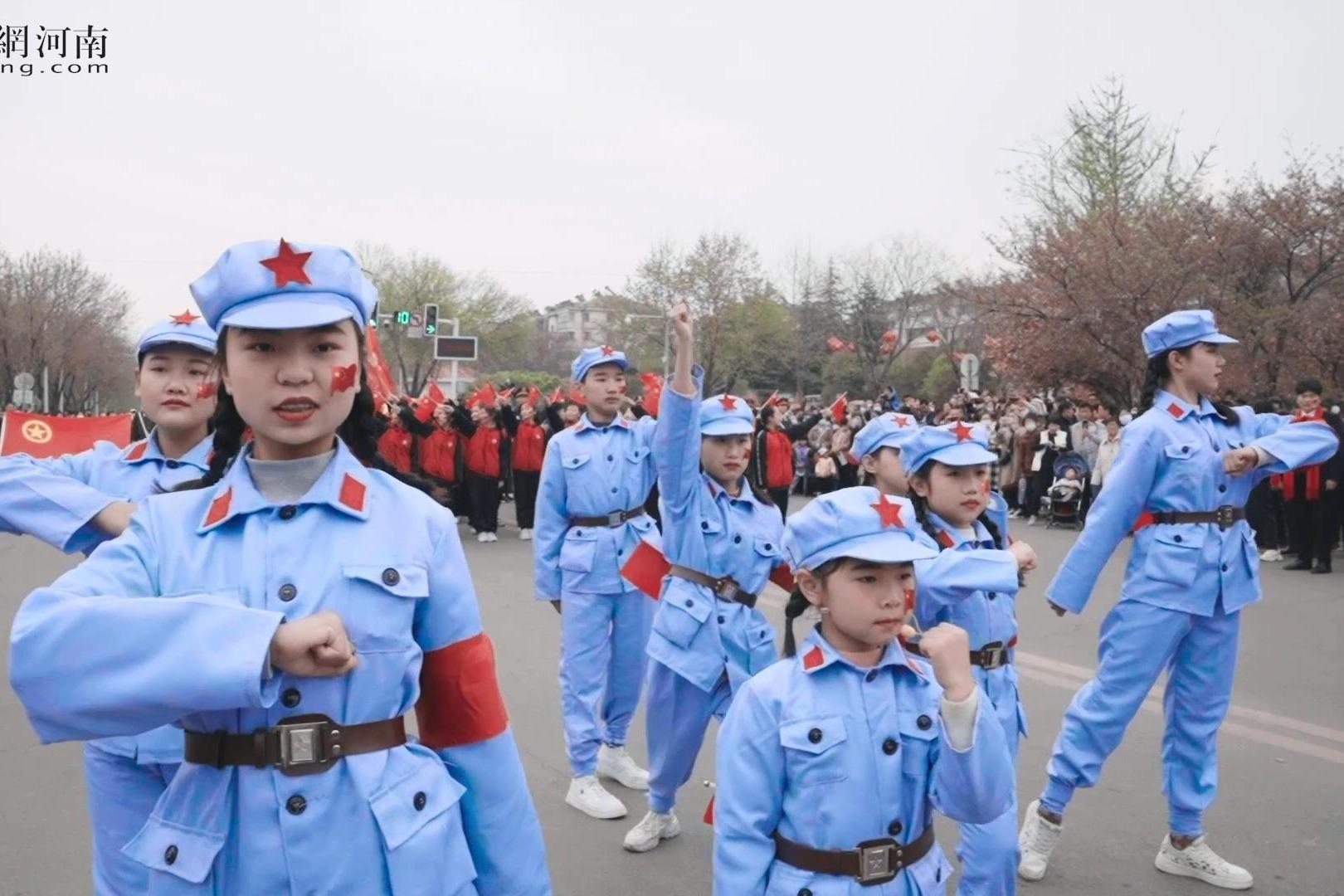 第七届中国(鹤壁)樱花文化节【红歌快闪】