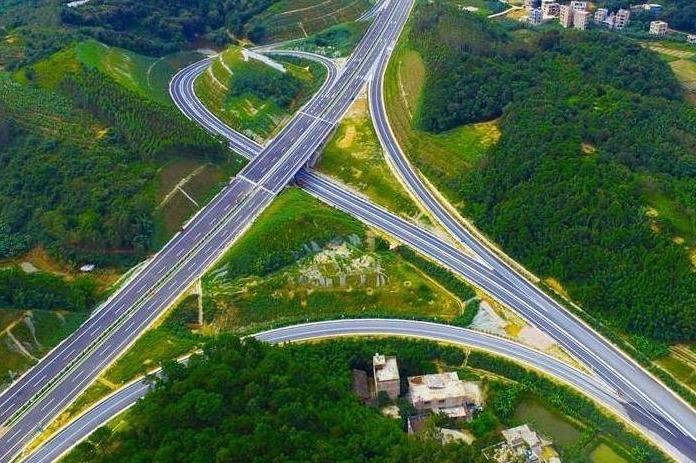 视频丨合长高速预计年内全线通车