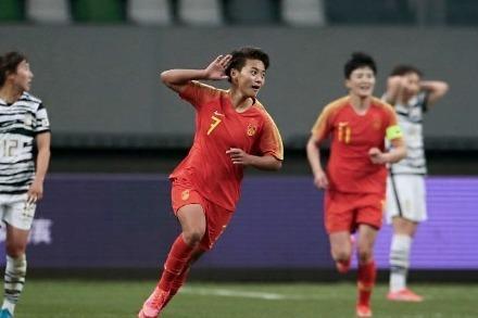 奥运会女足抽签仪式!中国女足落入死亡之组,死磕荷兰巴西