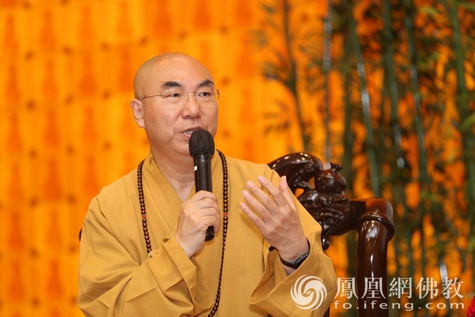 香港佛教联合会会长、西方寺方丈宽运法师(图片来源:凤凰网佛教)