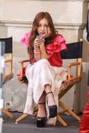 泰勒 莫森拍MV霸气十足 AKB48板野友美小短腿立现原形