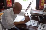 """安徽91岁老教师坚持""""发挥余热"""" 退休37年义务辅导学生"""