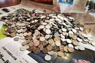 寻找生命的意义 安徽一残疾拾荒者捐出166元硬币