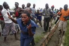 布隆迪骚乱:一女警死里逃生全程
