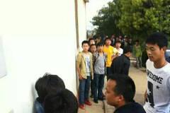 云南:2名警员暴打1名初二学生