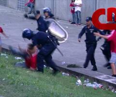 9岁男孩目睹爸爸爷爷被警察暴打