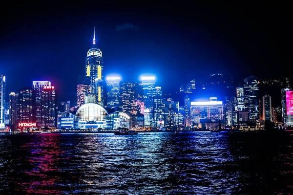 深圳GDP超香港_2018年深圳gdp或将达到25730亿元,超越香港,排名
